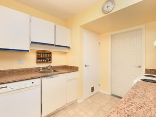 Photo 5: 1466 Denman St in Victoria: Vi Fernwood Half Duplex for sale : MLS®# 839735