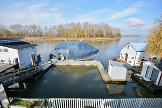 "Photo 2: 4525 W RIVER Road in Delta: Port Guichon House for sale in ""PORT GUICHON"" (Ladner)  : MLS®# R2489092"