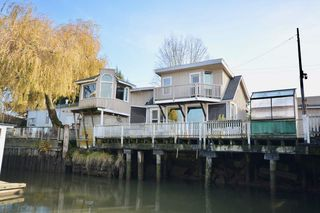 "Photo 3: 4525 W RIVER Road in Delta: Port Guichon House for sale in ""PORT GUICHON"" (Ladner)  : MLS®# R2489092"