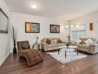 """Photo 2: 74 6299 144 Street in Surrey: Sullivan Station Townhouse for sale in """"ALTURA"""" : MLS®# R2518247"""