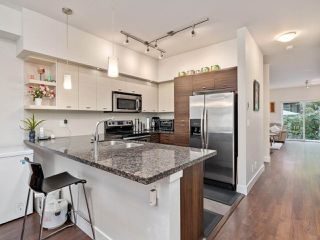 """Photo 7: 74 6299 144 Street in Surrey: Sullivan Station Townhouse for sale in """"ALTURA"""" : MLS®# R2518247"""