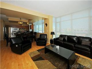 Photo 3: 608 827 Fairfield Rd in VICTORIA: Vi Downtown Condo for sale (Victoria)  : MLS®# 575913