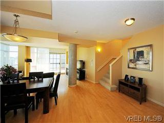 Photo 9: 608 827 Fairfield Rd in VICTORIA: Vi Downtown Condo for sale (Victoria)  : MLS®# 575913