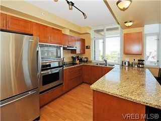Photo 5: 608 827 Fairfield Rd in VICTORIA: Vi Downtown Condo for sale (Victoria)  : MLS®# 575913