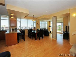 Photo 4: 608 827 Fairfield Road in VICTORIA: Vi Downtown Condo Apartment for sale (Victoria)  : MLS®# 295272