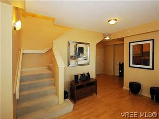 Photo 10: 608 827 Fairfield Rd in VICTORIA: Vi Downtown Condo for sale (Victoria)  : MLS®# 575913