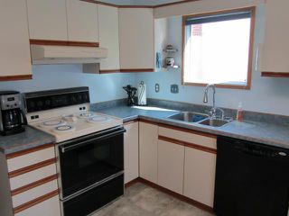 Photo 3: 921 Somerville Avenue in WINNIPEG: Fort Garry / Whyte Ridge / St Norbert Residential for sale (South Winnipeg)  : MLS®# 1117043