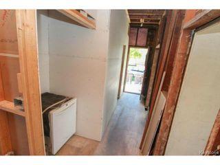 Photo 4: 696 Simcoe Street in WINNIPEG: West End / Wolseley Residential for sale (West Winnipeg)  : MLS®# 1516022