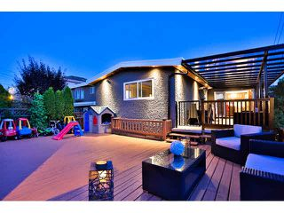 Photo 1: 2135 FRASERVIEW Drive in Vancouver: Fraserview VE House for sale (Vancouver East)  : MLS®# V1142896