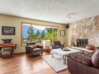 Photo 5: 40471 AYR Drive in Squamish: Garibaldi Highlands House for sale : MLS®# R2074786