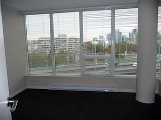Photo 9: 804 445 2ND Ave W: False Creek Home for sale ()  : MLS®# V1040069