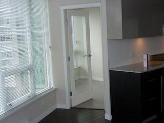 Photo 6: 804 445 2ND Ave W: False Creek Home for sale ()  : MLS®# V1040069