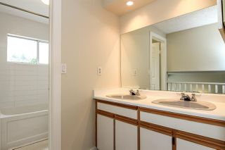 Photo 12: 2 1195 FALCON Drive in Coquitlam: Eagle Ridge CQ Townhouse for sale : MLS®# R2094331