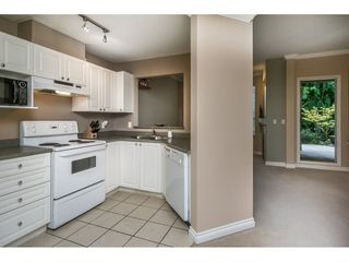 """Photo 4: 124 9979 140 Street in Surrey: Whalley Townhouse for sale in """"SHERWOOD GREEN"""" (North Surrey)  : MLS®# R2108711"""