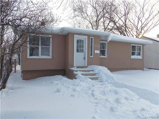 Photo 1: 734 Beaverbrook Street in Winnipeg: River Heights Residential for sale (1D)  : MLS®# 1700032