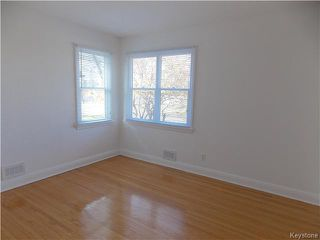 Photo 8: 734 Beaverbrook Street in Winnipeg: River Heights Residential for sale (1D)  : MLS®# 1700032