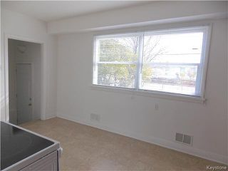 Photo 5: 734 Beaverbrook Street in Winnipeg: River Heights Residential for sale (1D)  : MLS®# 1700032