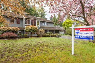 Photo 1: 12710 19 Avenue in Surrey: Crescent Bch Ocean Pk. House for sale (South Surrey White Rock)  : MLS®# R2159678