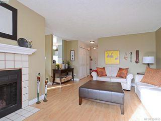 Photo 4: 102 940 Inverness Rd in VICTORIA: SE Quadra Condo for sale (Saanich East)  : MLS®# 774549