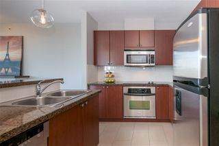 "Photo 2: 2101 15 E ROYAL Avenue in New Westminster: Fraserview NW Condo for sale in ""VICTORIA HILL"" : MLS®# R2226626"
