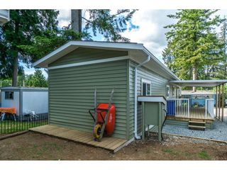 """Photo 18: 14 24330 FRASER Highway in Langley: Otter District Manufactured Home for sale in """"LANGLEY GROVE ESTATES"""" : MLS®# R2263420"""
