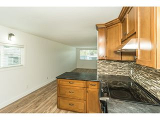 """Photo 6: 14 24330 FRASER Highway in Langley: Otter District Manufactured Home for sale in """"LANGLEY GROVE ESTATES"""" : MLS®# R2263420"""