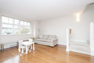 "Photo 10: 3098 LAUREL Street in Vancouver: Fairview VW Townhouse for sale in ""THE LAUREL"" (Vancouver West)  : MLS®# R2281515"
