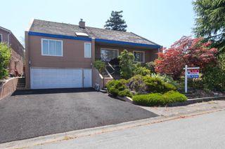 "Photo 1: 5500 WALLACE Avenue in Delta: Pebble Hill House for sale in ""Pebble Hill"" (Tsawwassen)  : MLS®# R2283000"