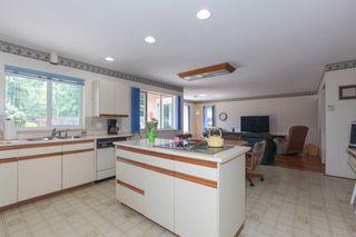 "Photo 9: 5500 WALLACE Avenue in Delta: Pebble Hill House for sale in ""Pebble Hill"" (Tsawwassen)  : MLS®# R2283000"