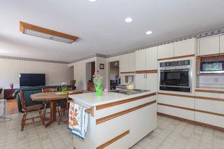 "Photo 10: 5500 WALLACE Avenue in Delta: Pebble Hill House for sale in ""Pebble Hill"" (Tsawwassen)  : MLS®# R2283000"