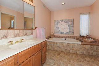 "Photo 13: 5500 WALLACE Avenue in Delta: Pebble Hill House for sale in ""Pebble Hill"" (Tsawwassen)  : MLS®# R2283000"