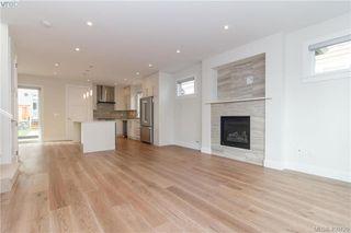 Photo 2: 8046 East Saanich Rd in SAANICHTON: CS Saanichton House for sale (Central Saanich)  : MLS®# 798360