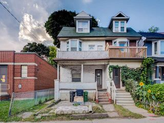 Photo 1: 338 Coxwell Avenue in Toronto: Greenwood-Coxwell House (2 1/2 Storey) for sale (Toronto E01)  : MLS®# E4260071
