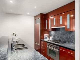 """Photo 6: 3106 938 NELSON Street in Vancouver: Downtown VW Condo for sale in """"ONE WALL CENTRE"""" (Vancouver West)  : MLS®# R2313633"""