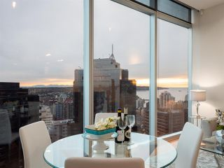 """Photo 2: 3106 938 NELSON Street in Vancouver: Downtown VW Condo for sale in """"ONE WALL CENTRE"""" (Vancouver West)  : MLS®# R2313633"""