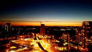 Photo 3: 2308 602 COMO LAKE Avenue in Coquitlam: Coquitlam West Condo for sale : MLS®# R2325086