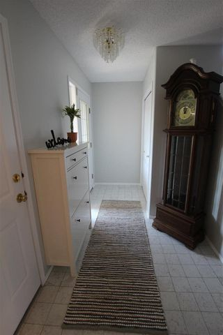 Photo 2: 327 RIVER Point in Edmonton: Zone 35 House for sale : MLS®# E4144488