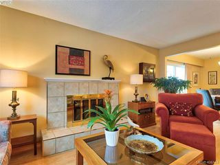Photo 7: 8015 Galbraith Close in SAANICHTON: CS Saanichton House for sale (Central Saanich)  : MLS®# 807106