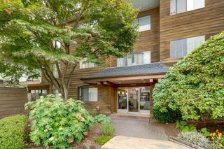 "Main Photo: 203 11957 223 Street in Maple Ridge: West Central Condo for sale in ""ALOUETTE APARTMENTS"" : MLS®# R2347545"