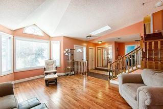 Photo 5: 4920 31 Avenue in Edmonton: Zone 29 House for sale : MLS®# E4147092