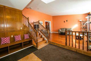 Photo 3: 4920 31 Avenue in Edmonton: Zone 29 House for sale : MLS®# E4147092