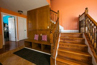Photo 2: 4920 31 Avenue in Edmonton: Zone 29 House for sale : MLS®# E4147092