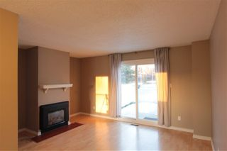 Photo 2: 5803 Riverbend Road in Edmonton: Zone 14 Townhouse for sale : MLS®# E4148541