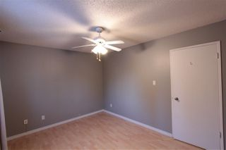 Photo 5: 5803 Riverbend Road in Edmonton: Zone 14 Townhouse for sale : MLS®# E4148541