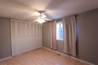 Photo 4: 5803 Riverbend Road in Edmonton: Zone 14 Townhouse for sale : MLS®# E4148541
