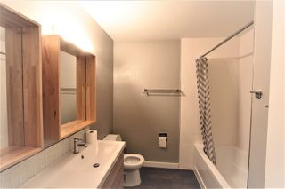 Photo 12: 5803 Riverbend Road in Edmonton: Zone 14 Townhouse for sale : MLS®# E4148541