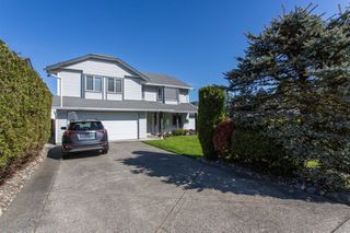 Main Photo: 21479 89 Avenue in Langley: Walnut Grove House for sale : MLS®# R2364635