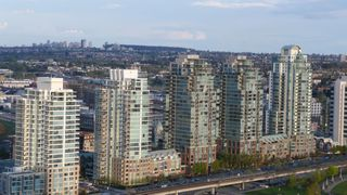 Photo 1: 2401 1128 QUEBEC Street in Vancouver East: Home for sale : MLS®# V757101
