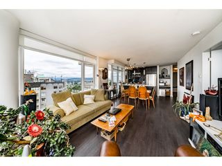 """Photo 6: 2305 608 BELMONT Street in New Westminster: Uptown NW Condo for sale in """"Viceroy"""" : MLS®# R2385516"""