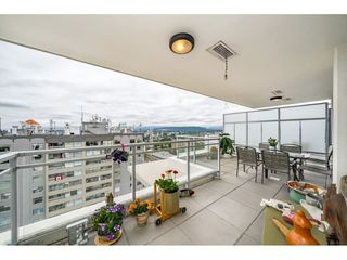 "Photo 3: 2305 608 BELMONT Street in New Westminster: Uptown NW Condo for sale in ""Viceroy"" : MLS®# R2385516"